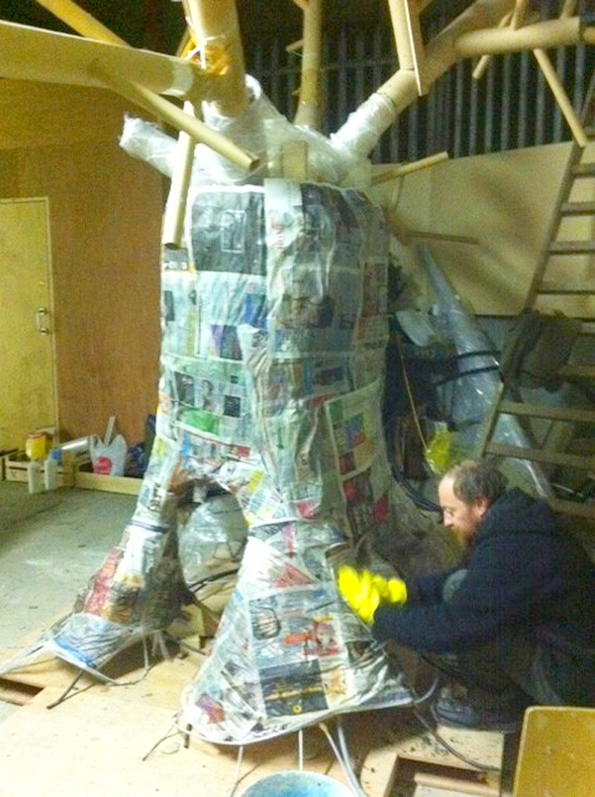 How to Make a Paper Mache Tree How to Make Paper Mache Tree